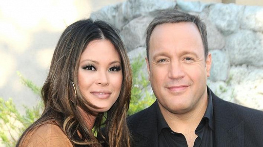 Kevin James s manželkou Steffianou de la Cruz