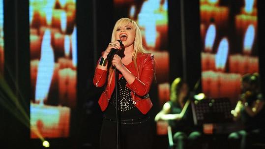 Všem v ateliéru spadla brada, když Veronika zazpívala píseň One Night Only.