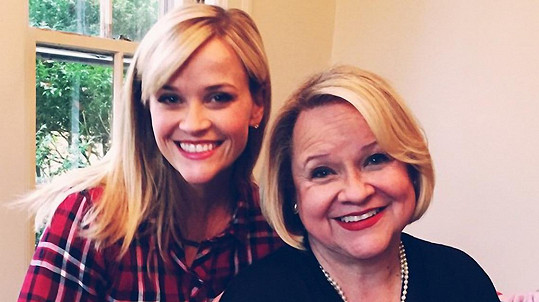 Reese Witherspoon s maminkou Betty
