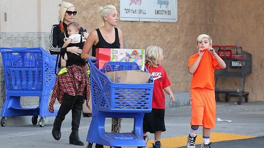 Gwen Stefani netušila, že jí chůva vypomůže nejen při nakupování.