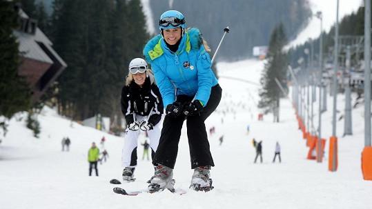 Kateřina Průšová může lyžovat jedině s ortézou.