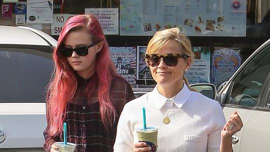 Spolužačky? Ne, Reese Witherspoon s dcerou Avou!