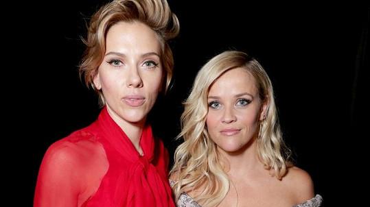 Reese vedle Scarlett zazářila.