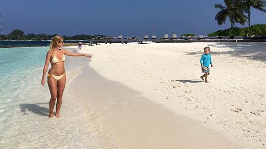 Na Maledivách se cítili jako v ráji.