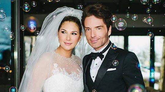 Richard Marx se oženil s modelkou Daisy Fuentes.