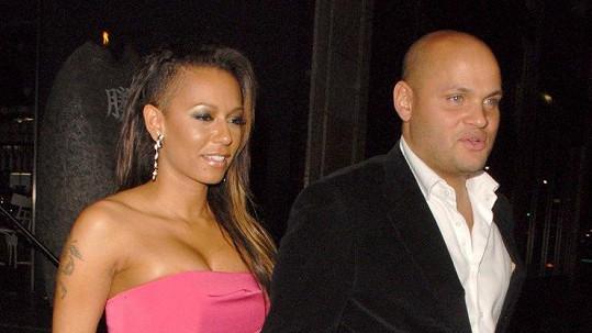 Mel B a Stephen jsou rozvedeni.