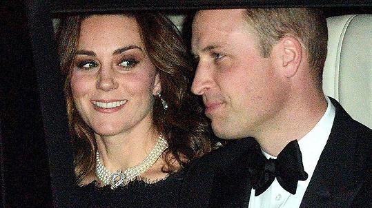Kate a William cestou na oslavu platinové svatby