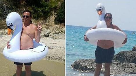 Na dovolené u moře nesmí labuť chybět.