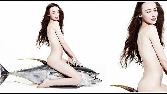 Lizzie Jagger na tuňákovi podpořila dobrou věc.