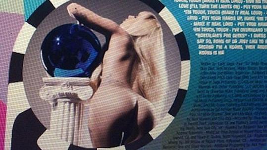 Lagy Gaga si v bookletu nové desky nebere servítky.