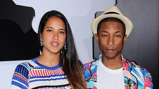 Pharrell a Helen mají trojčata.