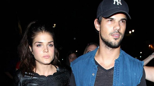 Taylor Lautner s bývalou přítelkyní Marií Avgeropoulos
