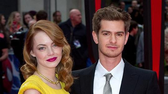 Emma Stone a Andrew Garfield tvoří osudový pár.