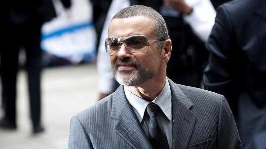 George Michael v tom zase lítá.