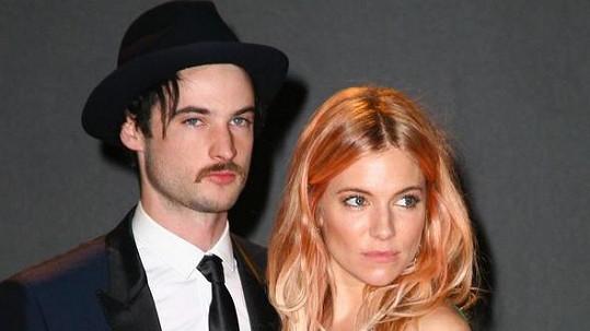 Sienna Miller a Tom Sturridge se měli rozejít už před několika týdny.