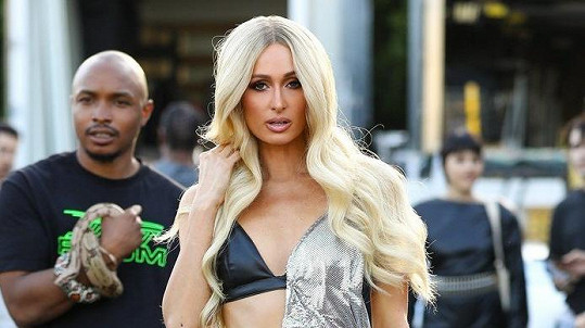Paris Hilton natáčí nový videoklip.