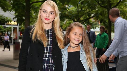 Štěpánka Fingerhutová a její mladší sestra