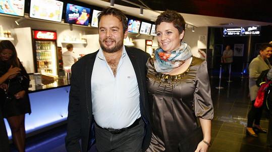 Josef Abrhám ml. s přítelkyní