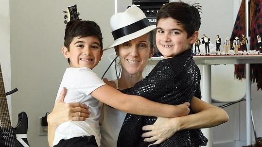 Céline Dion se svými dvojčaty.
