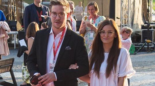 Vladimír Polívka s přítelkyní na filmovém festivalu ve Zlíně