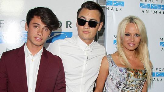 Pamela Anderson se pochlubila svými potomky