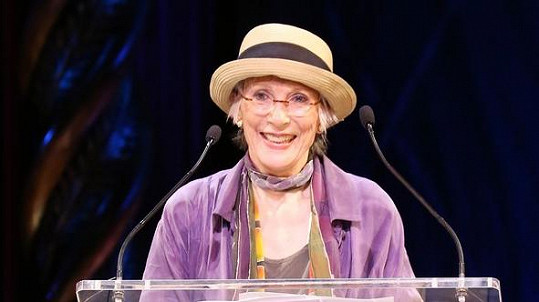 Patricia Elliott zemřela ve věku 77 let.