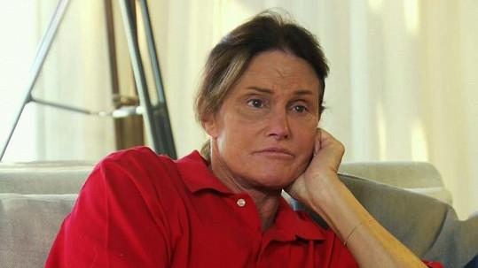Bruce Jenner odmítá operaci genitálií.