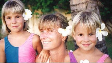 Patricie Solaříková (vpravo) na snímku se ségrou a maminkou