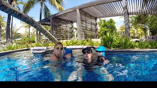 Lucie a Michal se svými syny na hororové dovolené