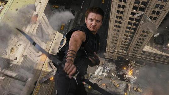 Jeremy Renner jako Hawkeye ve filmu Avengers
