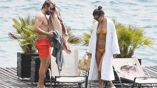 Bradley a Irina vybrali známé italské jezero.