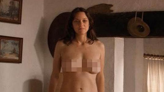 Marion Cotillard úplně nahá