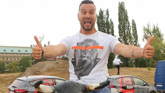 Michal Kavalčík se na tiskovce Primy pěkně odvázal.