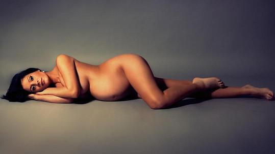 Adéla Taş nafotila krátce před porodem akty. Více ve fotogalerii.