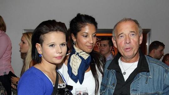 Ivan Vyskočil přišel na premiéru s milenkou Kristýnou a dcerou Míšou.