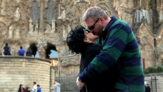 Lucie Bílá při jednom z vášnivých polibků s Petrem Makovičkou.
