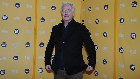 Známý britský herec a režisér Alan Rickman je v Čechách.