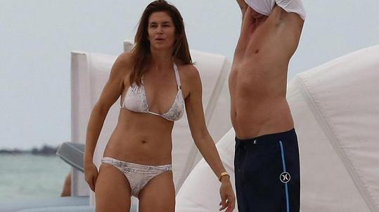 Cindy Crawford vyrazila s manželem na pláž v Malibu.