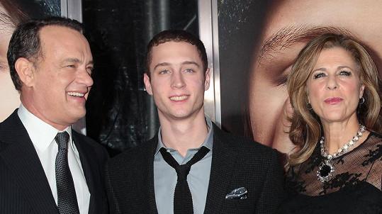 Chester se svými rodiči Tomem Hanksem a Ritou Wilson