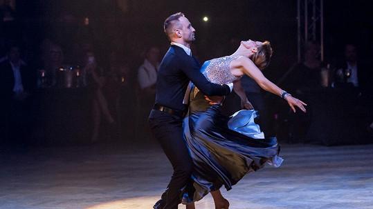 Jitka Schneiderová a Marek Dědík se rozhodli svým tancem pomoci druhým...