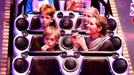 Julia Roberts vyrazila s dětmi za zábavou.