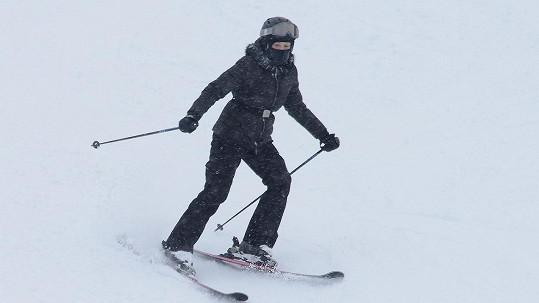 Madonna je zdatná lyžařka.