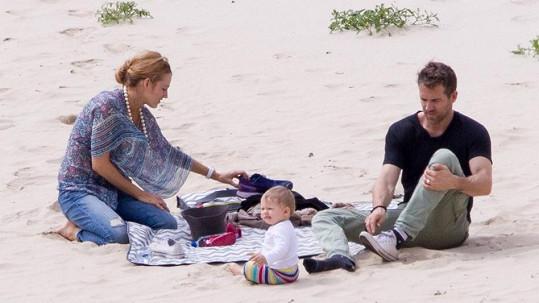 Blake Lively a Ryan Reynolds tvoří krásnou rodinku.