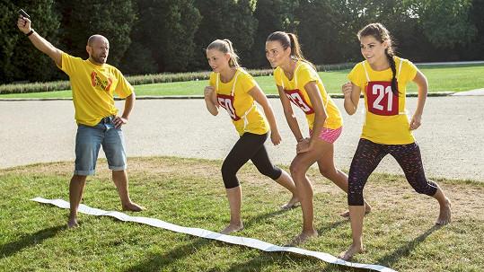 Vítězky letošní České Miss se staly patronkami třetího ročníku charitativního bosého běhu.