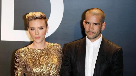 Scarlett Johansson se rozvádí.