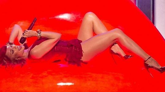 Kylie Minogue a její turné Kiss Me Once