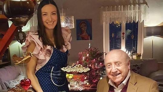 Lucie Gelemová a Felix Slováček si užívají pohodu na chalupě.