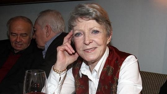 Jana Štěpánková se vrací do Divadla na Vinohradech.