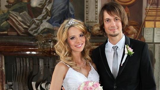 Lucie Černíková si vzala bubeníka Lukáše Pavlíka.