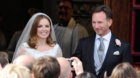 Geri Halliwell se výhodně provdala.